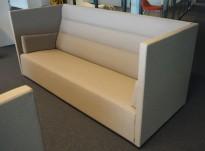 Offecct Float High 3-seter sofa i brunt kvadrat-stoff, bredde 212cm, pent brukt