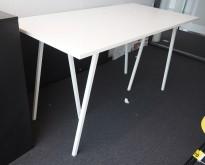 Barbord / ståbord i hvitt fra Hay, modell Loop, 180x80cm, 98cm høyde, pent brukt understell med ny plate