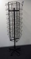 Brosjyrekarusell i sortlakkert metall for 32stk A4, 150cm høyde, pent brukt