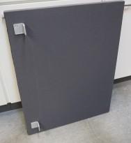 Bordskillevegg / skjermvegg for skrivebord fra Zilenzio, grå-grønt stoff, 83x65cm, pent brukt