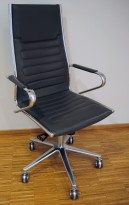 Konferansestol på hjul i mørk grå / krom fra Sitland, Ice-serie, høy rygg og armlener, pent brukt