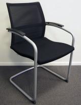 Konferansestol: Sedus Open Up Up-233 sort stoff / mesh rygg / grå ramme, pent brukt