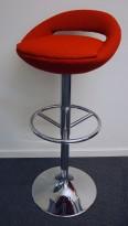 Barkrakk / barstoll i rødt stoff / krom, sittehøyde 65-88cm, pent brukt