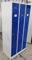 Garderobeskap i grålakkert stål / blå dører, 3 rom / 1 høyde, 88cm b, 180cm h, u/sokkel, pent brukt