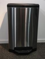 Søppelbøtte / pedalbøtte i rustfritt stål med lokk i sort, høyde 70cm, pent brukt