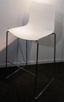 Barkrakk: Arper Catifa 46 i hvitt / krom, 76cm sittehøyde, pent brukt