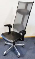 Håg H09 Inspiration 9230 i sort skinn / mesh, eksklusiv kontorstol, polert alu kryss, pent brukt