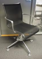 Alias Meetingframe konferansestol i polert aluminium / sort mesh, pent brukt