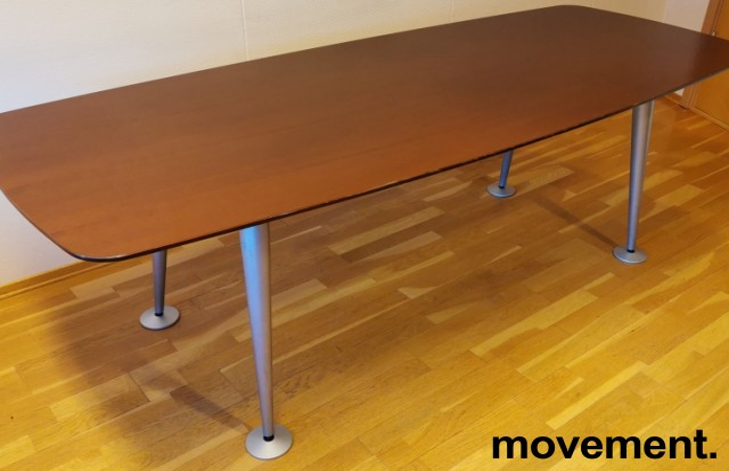 Kompakt møtebord fra Fantoni i kirsebær, 208x85cm, passer 6-8 personer, pent brukt bilde 1