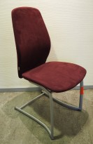 Møteromsstol/besøksstol fra Kinnarps, mod Plus 376 i lilla mikrofiberstoff, pent brukt