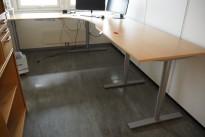 Hjørneløsning elektrisk hevsenk fra Kinnarps i bøk / grått, Oberon, 280x220cm, venstreløsning, pent brukt